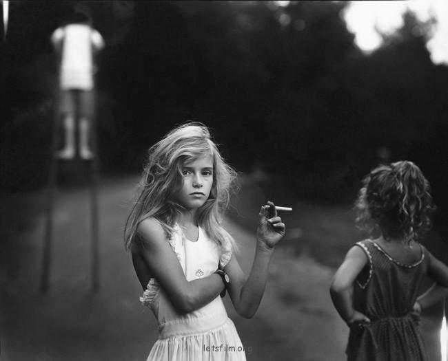 亲密家庭 – Sally Mann 摄影作品
