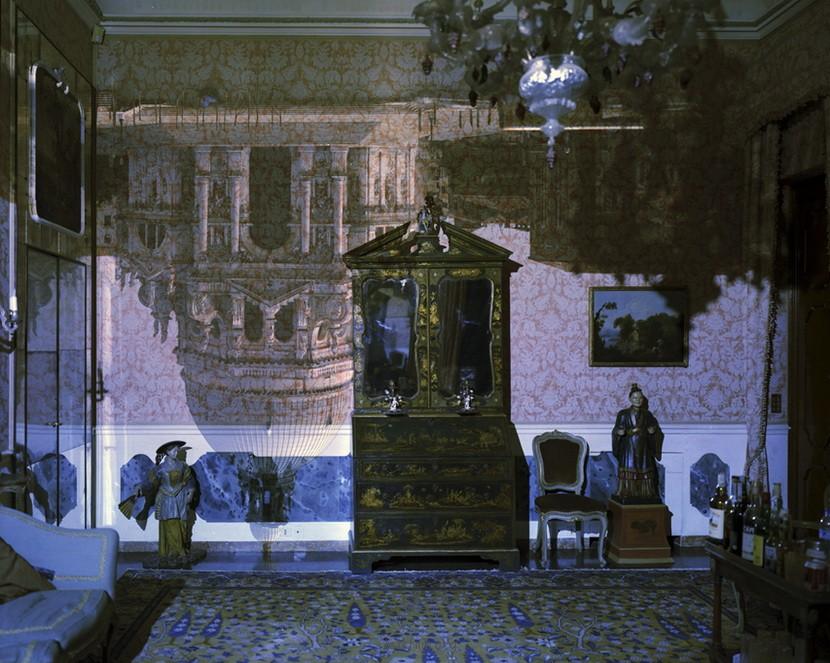 利用摄影原理,将房间内与外融为一体!