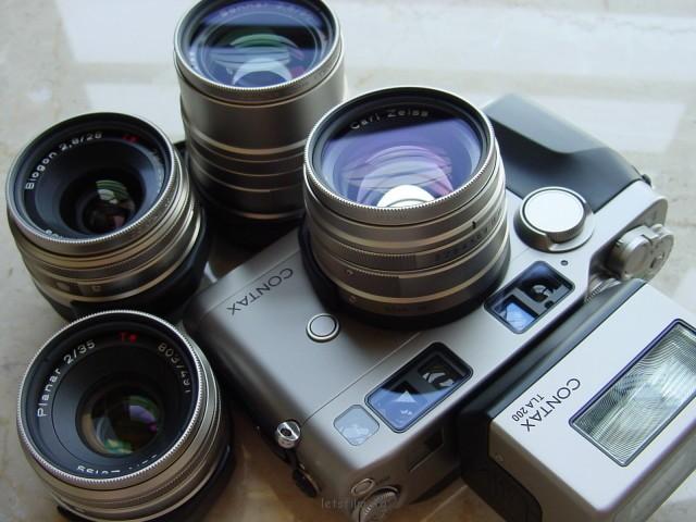 可换镜头旁轴相机:Contax G2