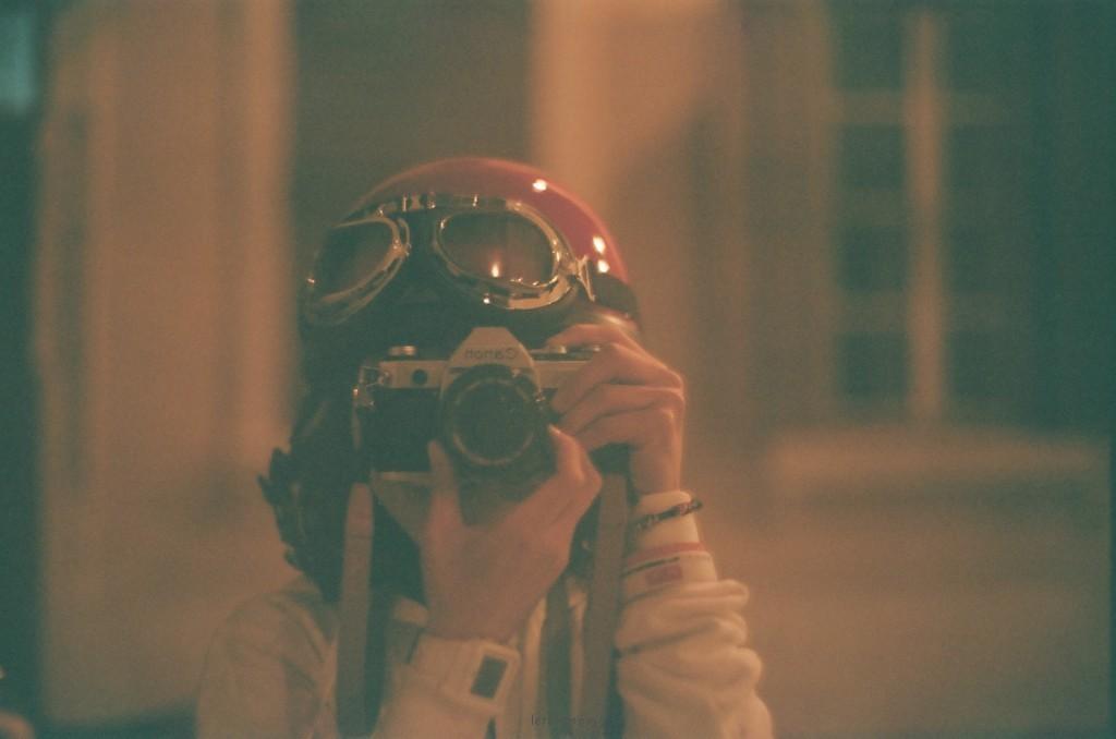 相機 ;荳艼~邊走邊自拍