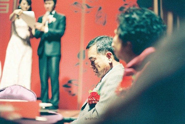 在婚礼摄影中发掘情感
