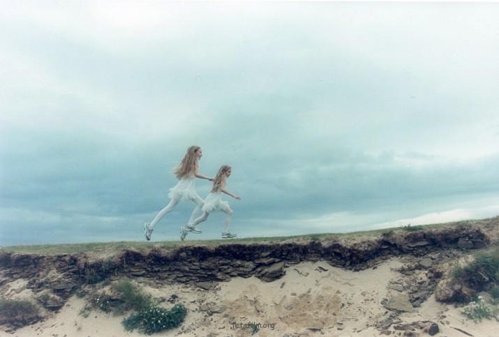 冰岛女孩成长记