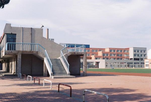 纪念校园。