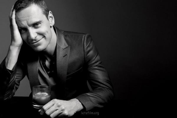 Gavin Bond的简约黑白肖像