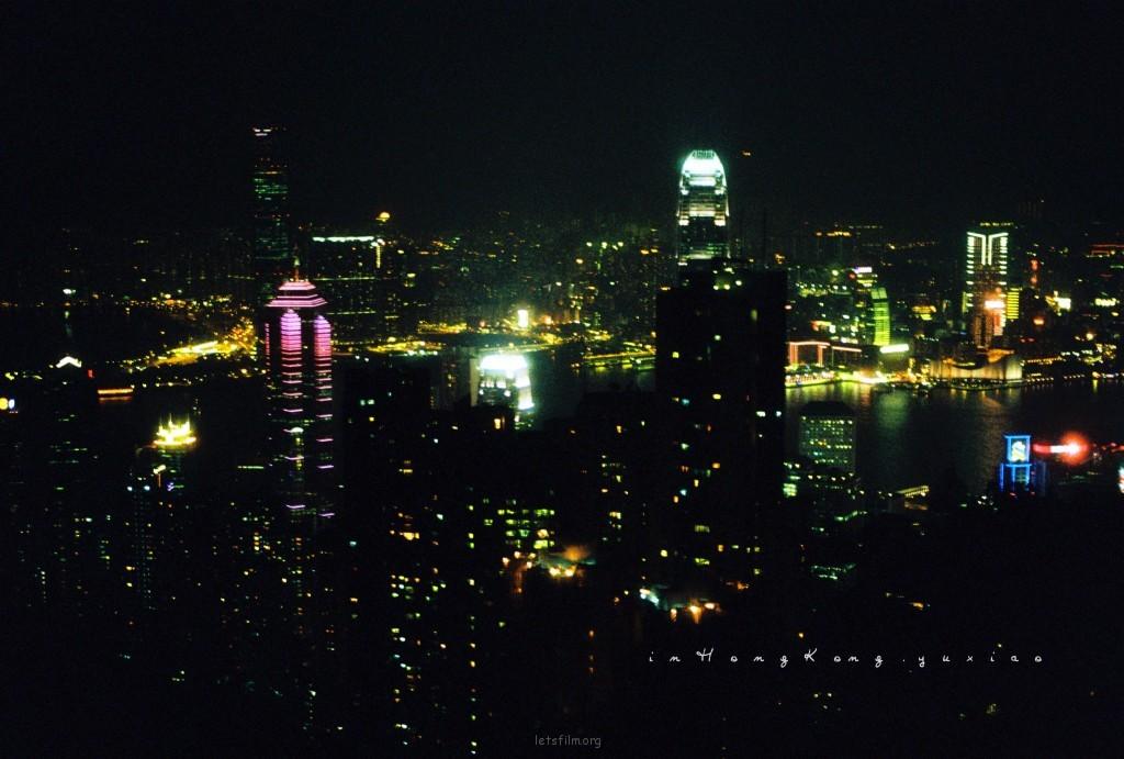 越夜越美的香港