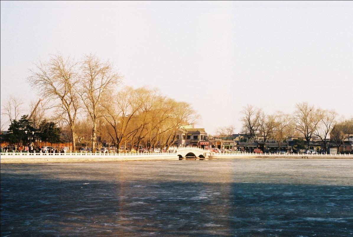 591 走在冬季的后海河沿