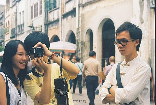 你拍我拍你 摄于2012年10月,北海老街,理光胶片机
