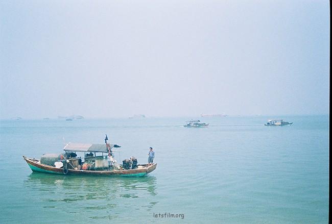透蓝 摄于2012年10月,北海银滩,理光胶片机