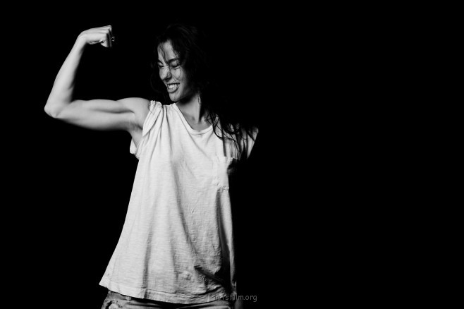 「WILD HEARTS, BLUE JEANS, AND WHITE T-SHIRTS」摄影特辑—ADRIANNE HO