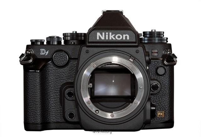 搭载与D4相同的感光元件和影像处理器,保证成像水准。