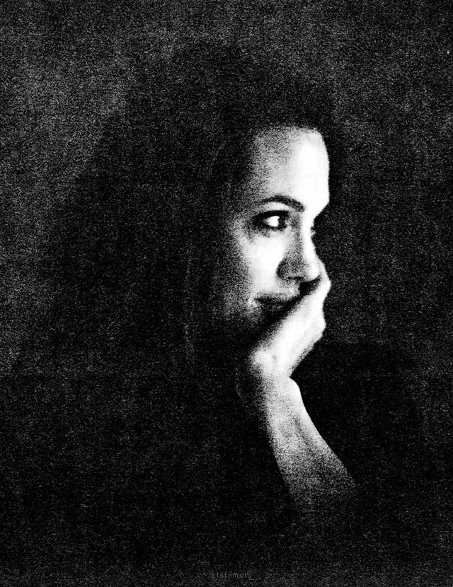 Black & White Portraits of Angelina Jolie by Brad Pitt (1)