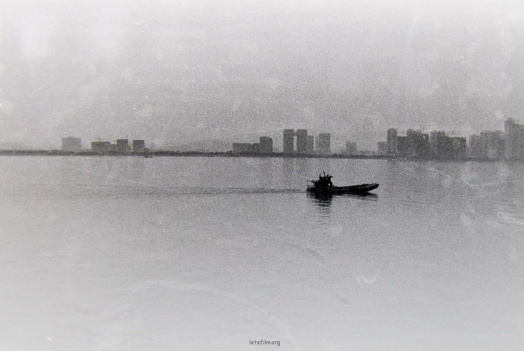 一叶扁舟正如此时内心的写照。
