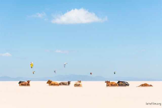地理组荣誉奖 'Honorable Mention'. Tarifa Beach, Andalucia, Spain. (by Andrew Lever)