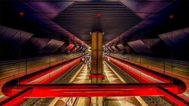 地下铁 — Holger Schmidtke