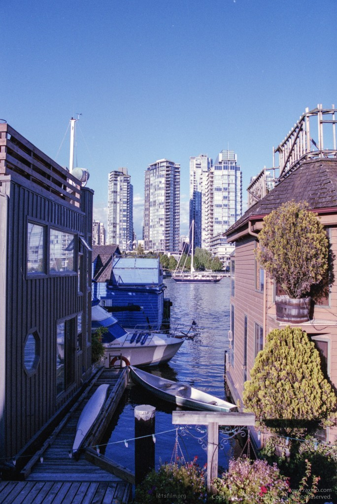 住在这样的房子里,每晚都会做蓝色的梦吧 Granville Island, Vancouver
