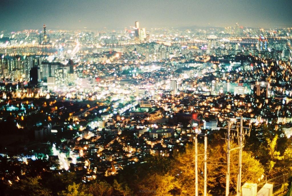 南山顶俯瞰城市