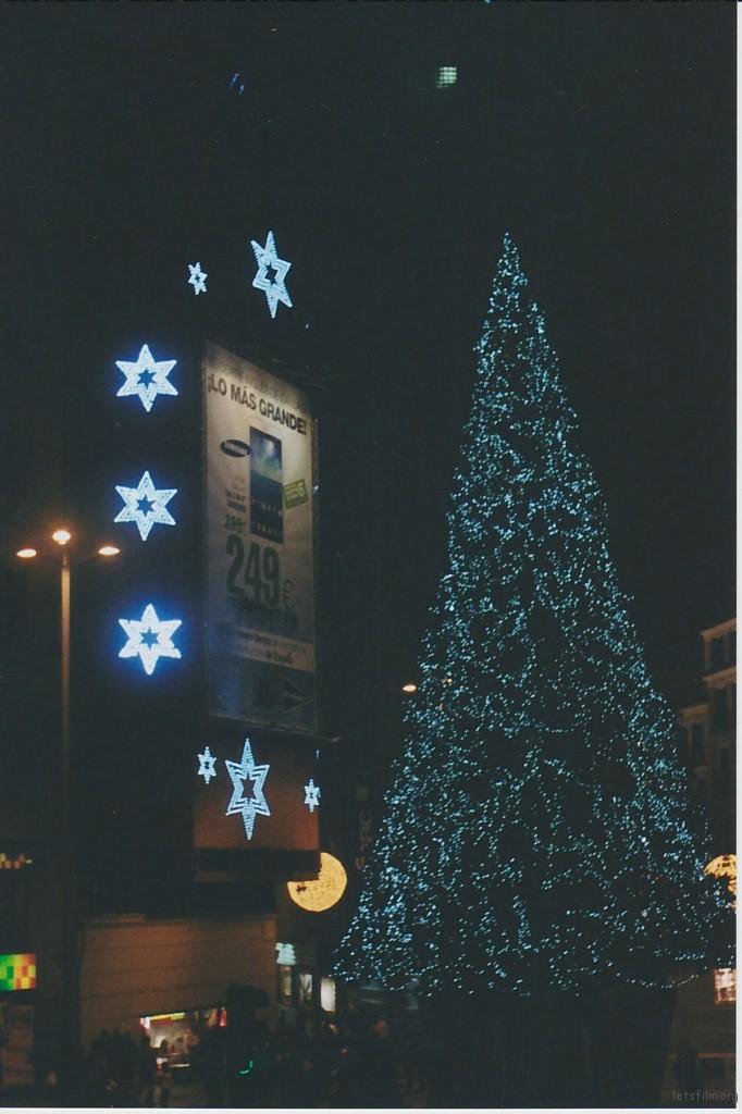 CALLAO广场上的圣诞树