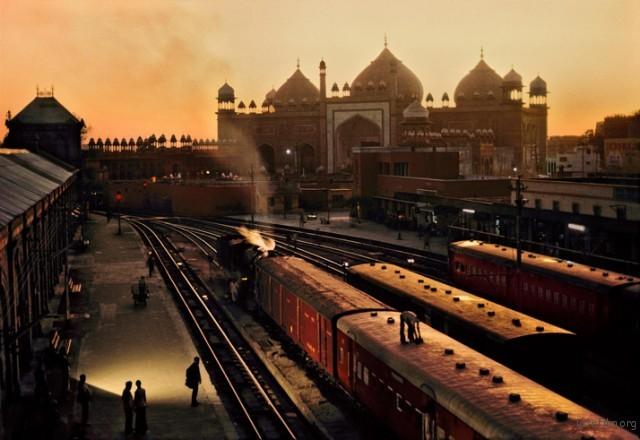 Trains-Steve-McCurry15-640x440