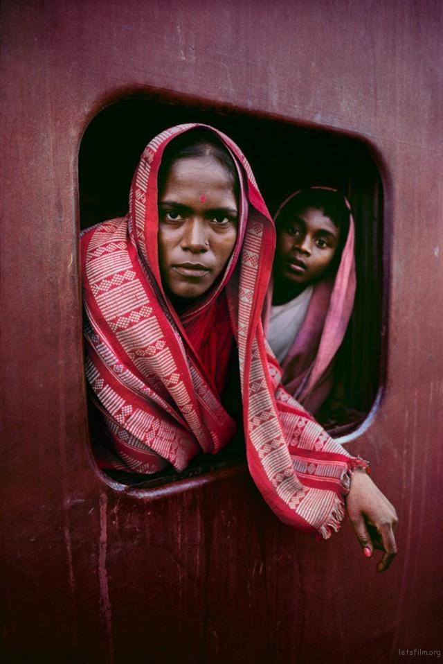 Trains-Steve-McCurry9-640x958
