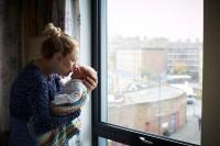 """妈妈和新生""""一天大""""宝宝合照,只有感动"""