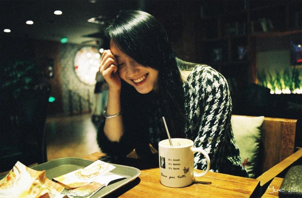 【咖啡屋的小憩】 Minolta x-700 135
