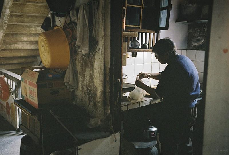 这种独立的厨房在上个世纪的居民楼里司空见惯