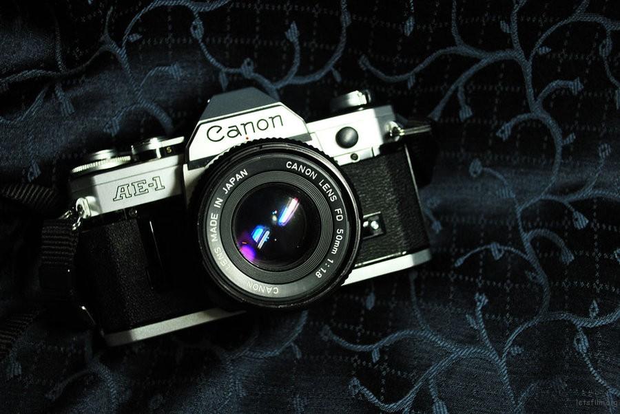 Canon_AE_1_by_delgadina