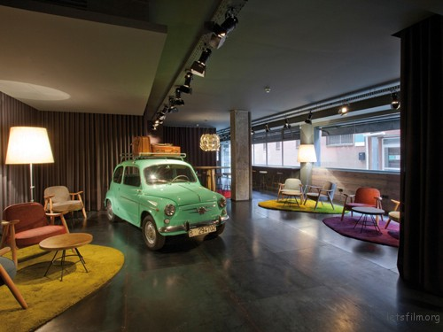 dest-chicbasic-rambla-lobby-with-mini