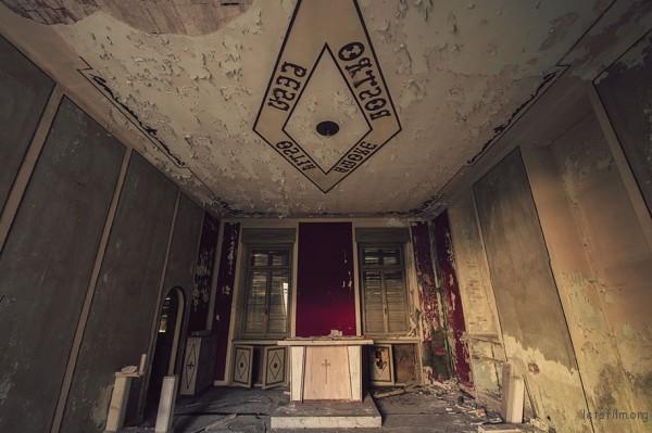 Photography-of-Abandoned-Italian-Ruins-3