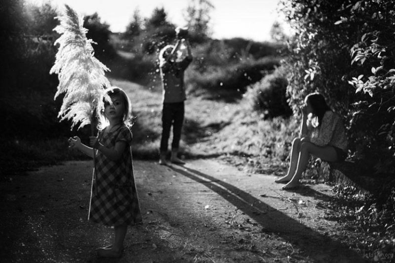 b107010965_la-famille-children-family-photography-alain-laboile-23-830x553