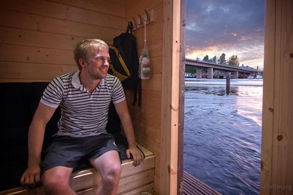 DIY-Sauna-Boat-2