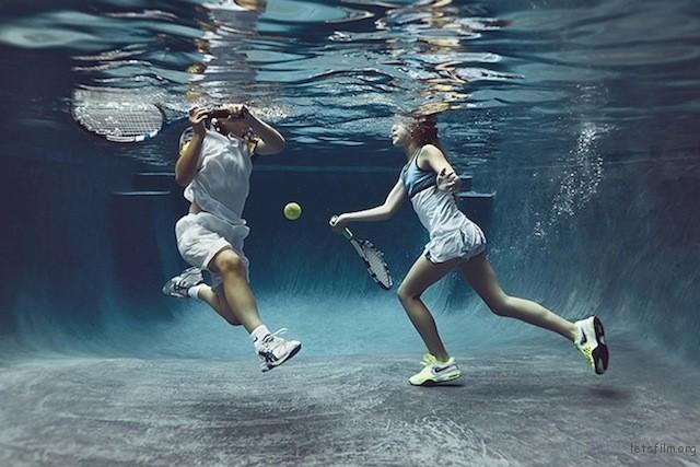 Portraits-of-Kids-Submerged-Underwater-by-Alix-Martinez-1