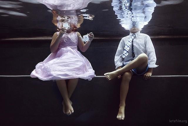 Portraits-of-Kids-Submerged-Underwater-by-Alix-Martinez-2