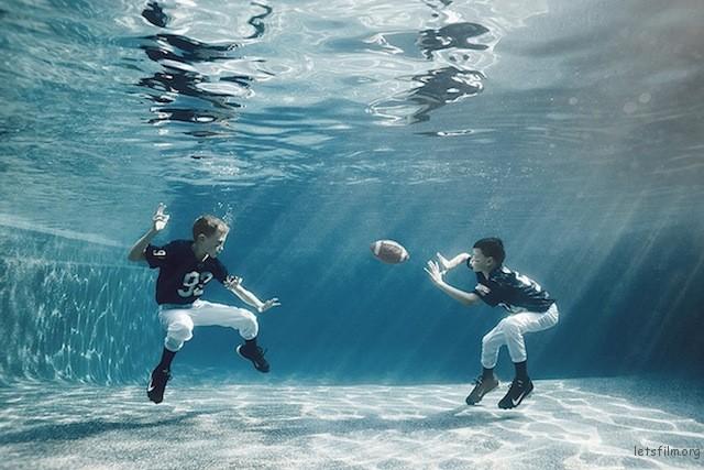 Portraits-of-Kids-Submerged-Underwater-by-Alix-Martinez-6