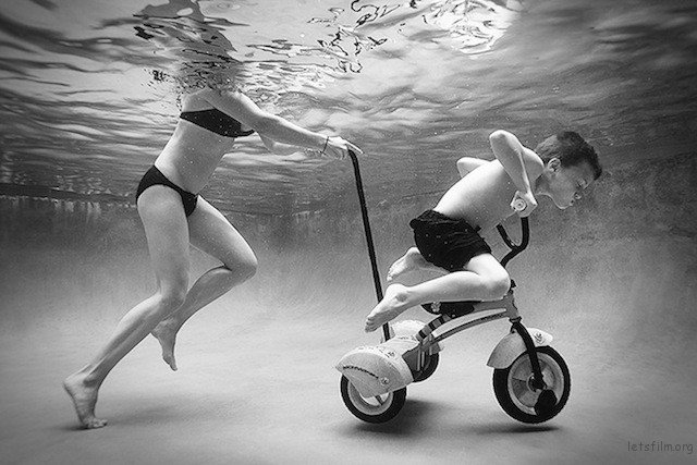 Portraits-of-Kids-Submerged-Underwater-by-Alix-Martinez-9