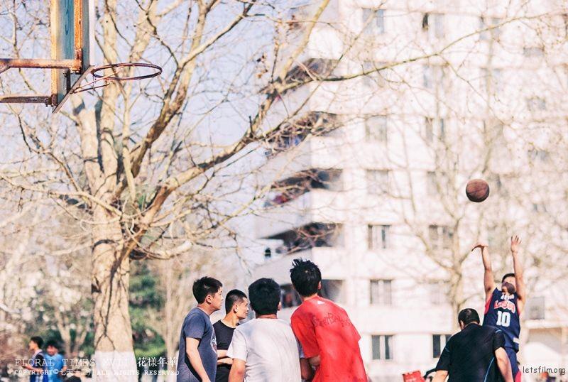 蓝胖子打篮球