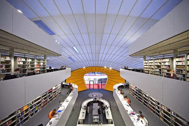 柏林自由大学图书馆。