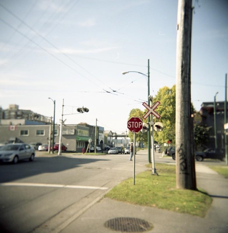 温哥华的某条普通街道。