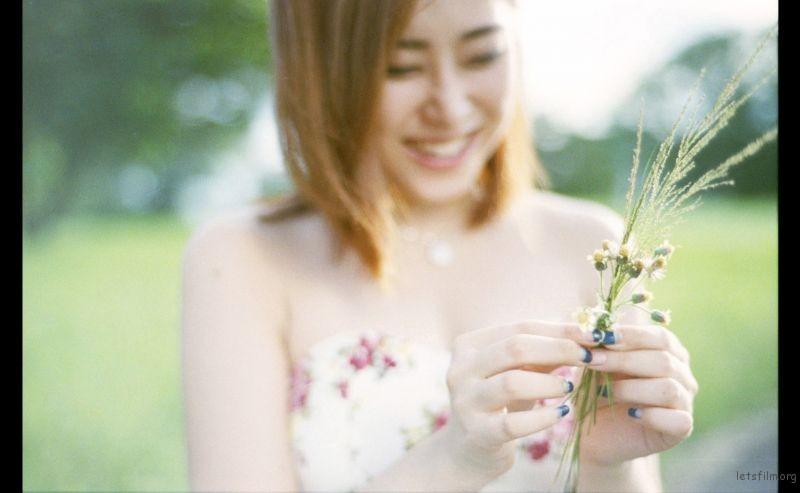 tying flower