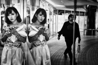 日本街头摄影师铃木达朗Tatsuo Suzuki,壮年转战摄影职人路