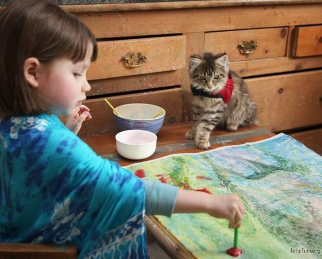 thula-therapy-cat-autistic-artist-iris-grace-20-830x667-658x528