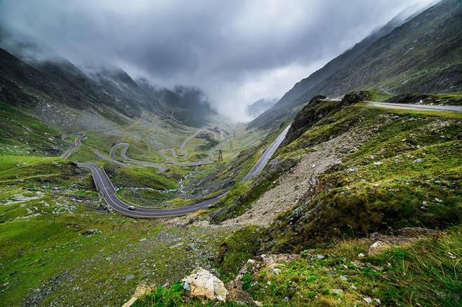 Transylvania 里的蜿蜒公路