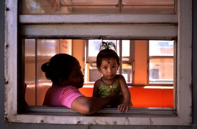 小火车上的娃娃