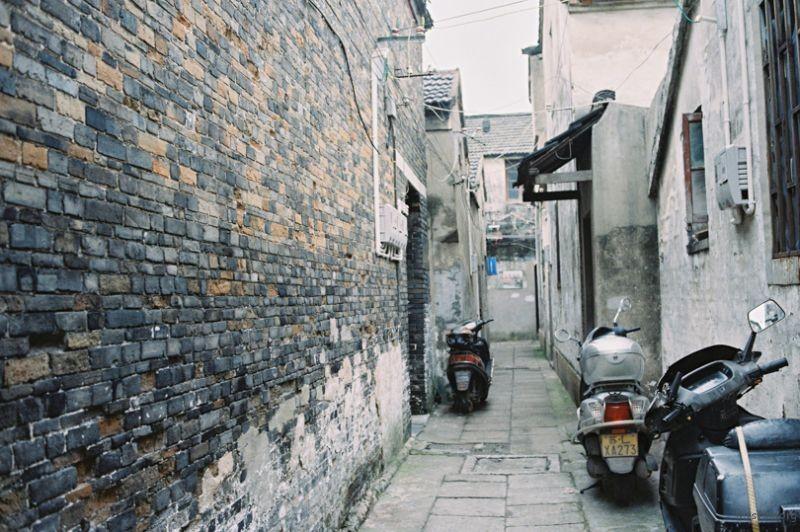 斑驳的墙面,清代的建筑