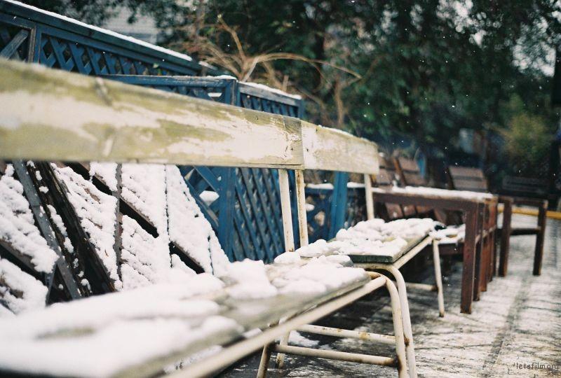 阳台上见到的初雪
