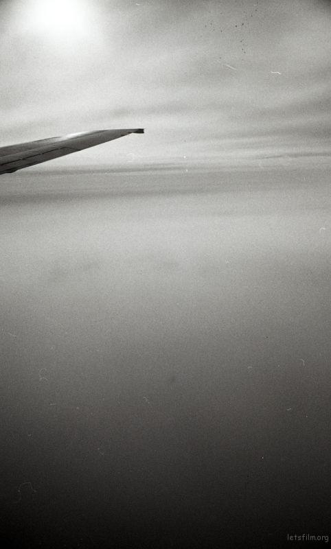 穿越云层的飞机,总有种腾云驾雾的感觉。