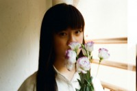 投稿作品No.4279 直髮女孩與花