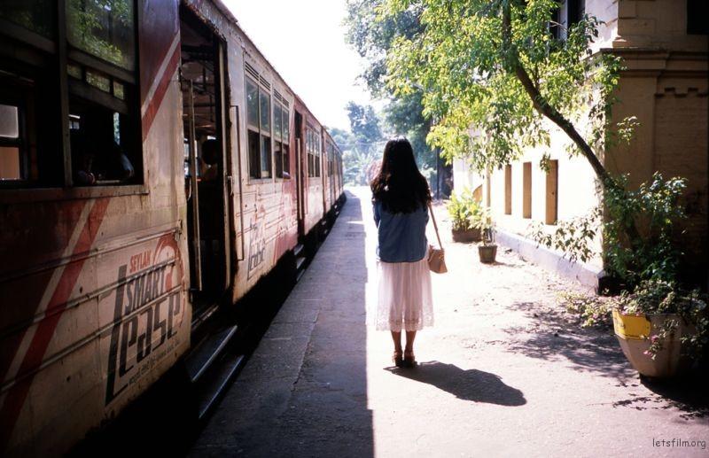 从加勒返回科伦坡的小火车。车展很简陋,但非常干净,大家都非常有秩序,安静。