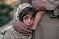 不同的童年 - Steve McCurry 攝影作品