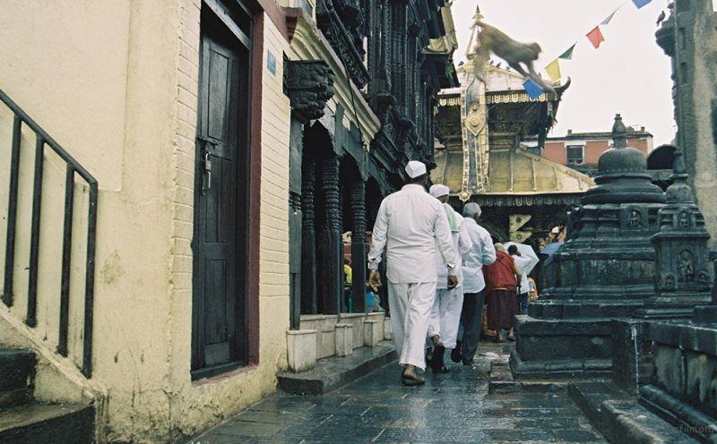 Swayambhunath | 身边走过的人们
